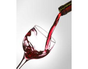 Умеренное потребление алкоголя уменьшает риск развития сахарного диабета 2 типа.